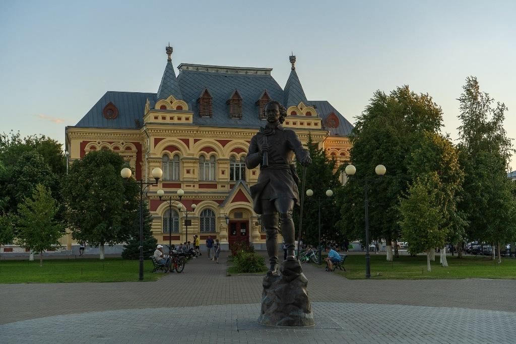 памятник Петру I Камышин