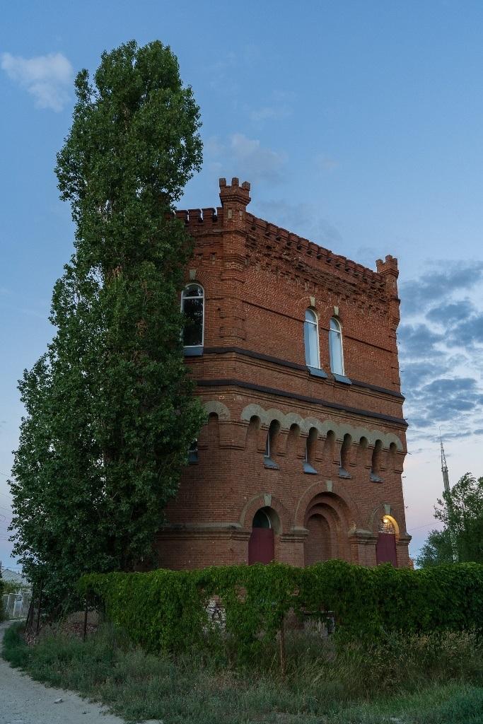 водонапорная башня-замок