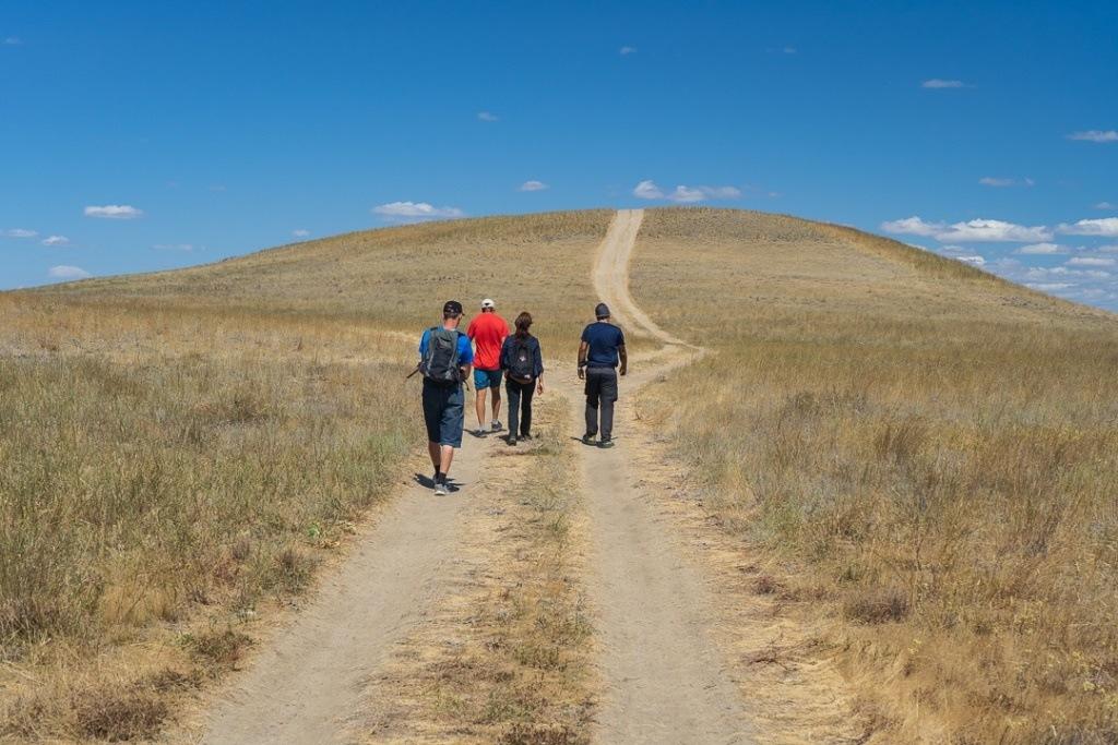 Путь на вершину холма