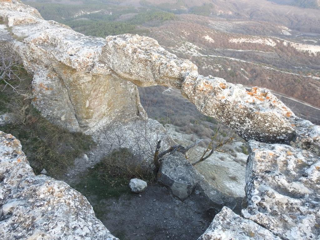 Скалы северных пещер