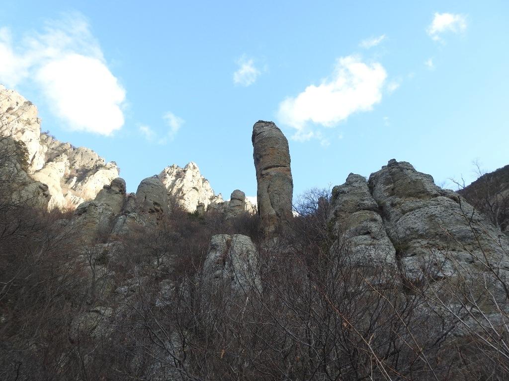 """Скала """"Чертов палец"""" в долине привидений"""