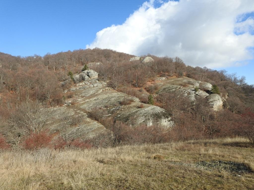 Скалы у реки Джурла