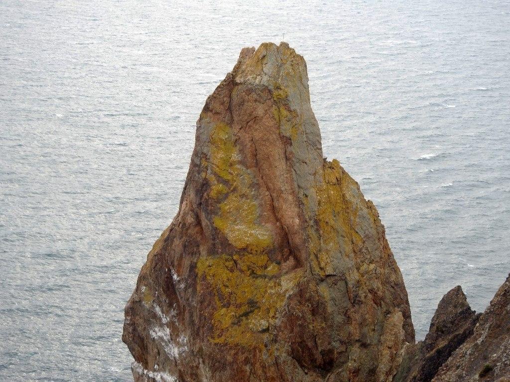 Застывший вулканический канал Некк