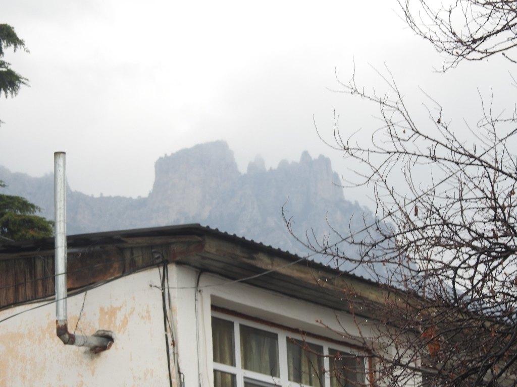 Вершина Ай-Петри из Алупки