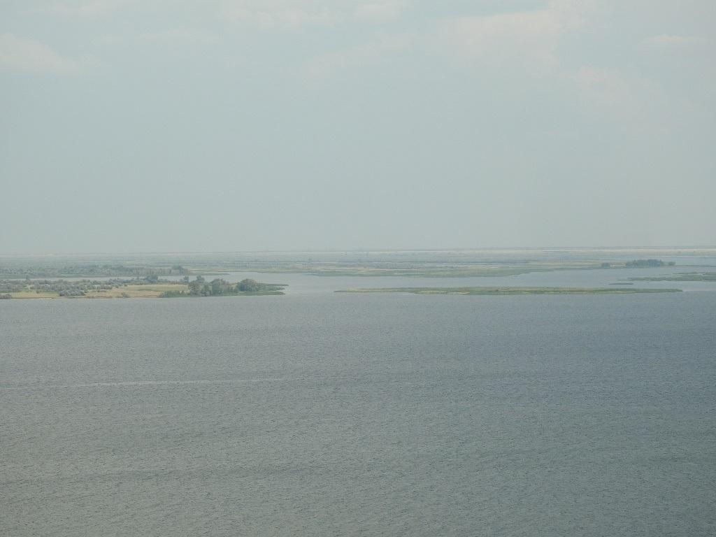 Заливы островов в левобережье