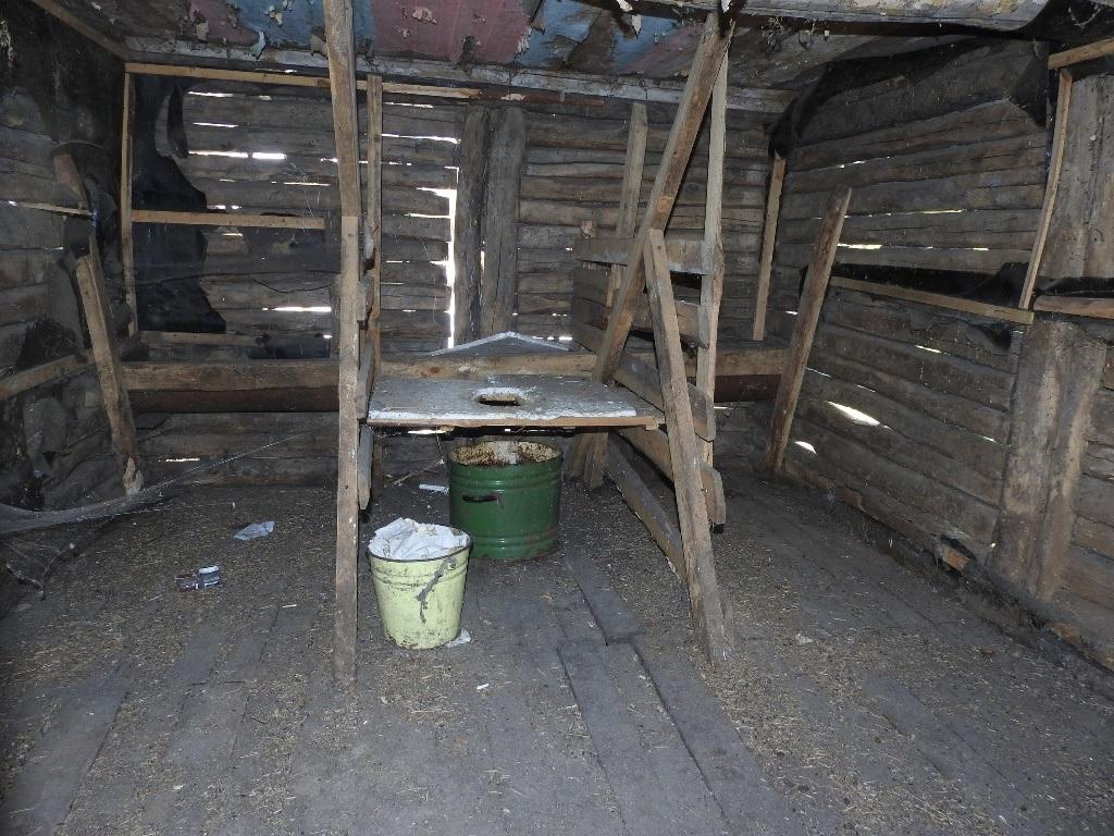 Сельский туалет