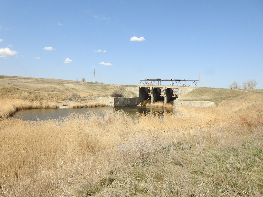 Плотина на реке Мечетка