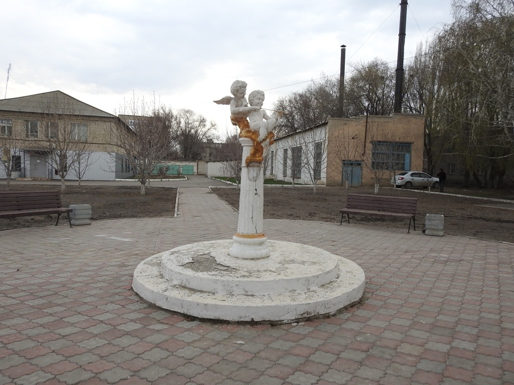 Памятник с ангелочками Степное