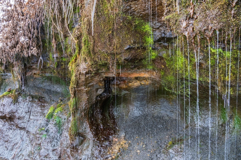 "Капельный водопад ""Стена плача"""