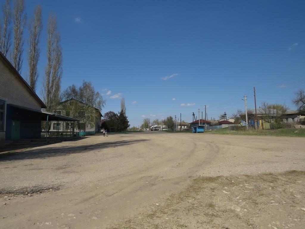 Центр села Бурлук