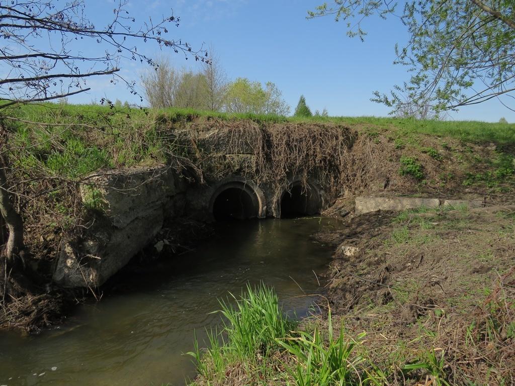 Река под дорогой