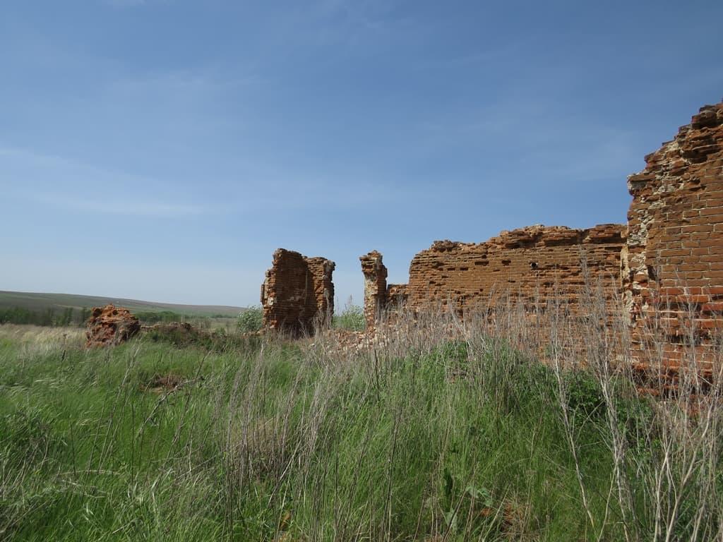 Руины церкви Ненарокомовка