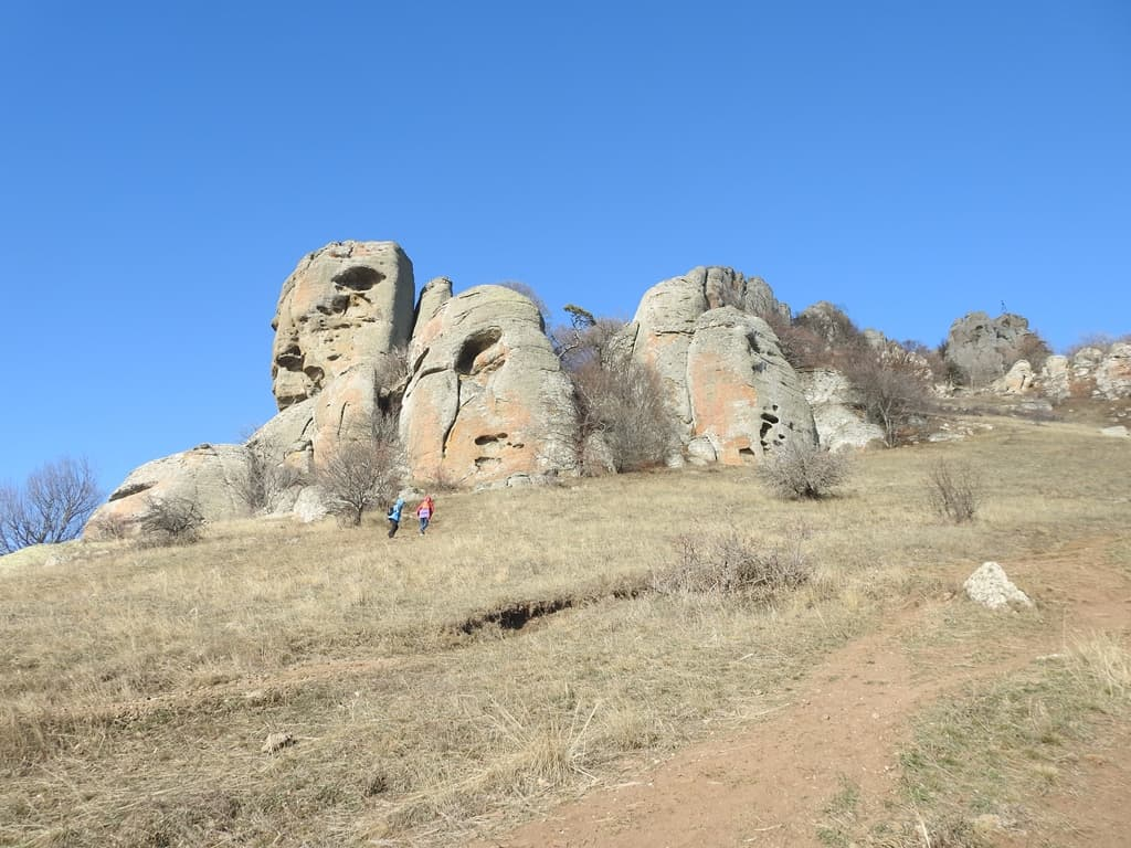 Скалы Чомачай горы Аленга