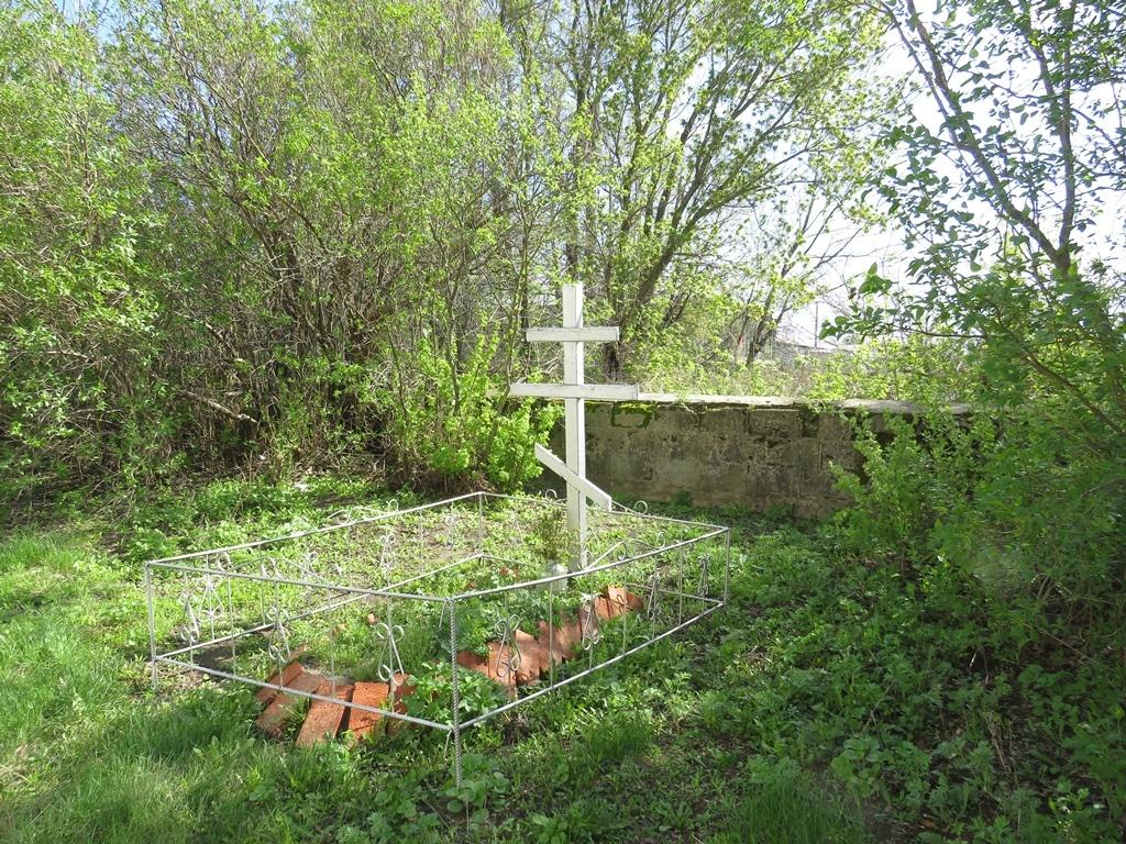Одинокий крест