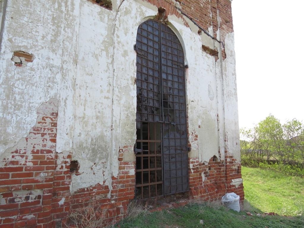 Храм в селе Лох ворота