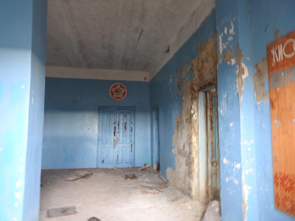 Внутри сельского клуба в Киселевке