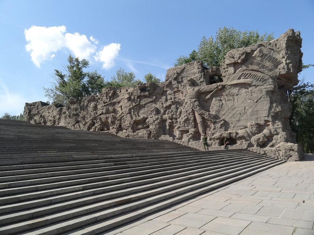 Стены руины Мамаев Курган