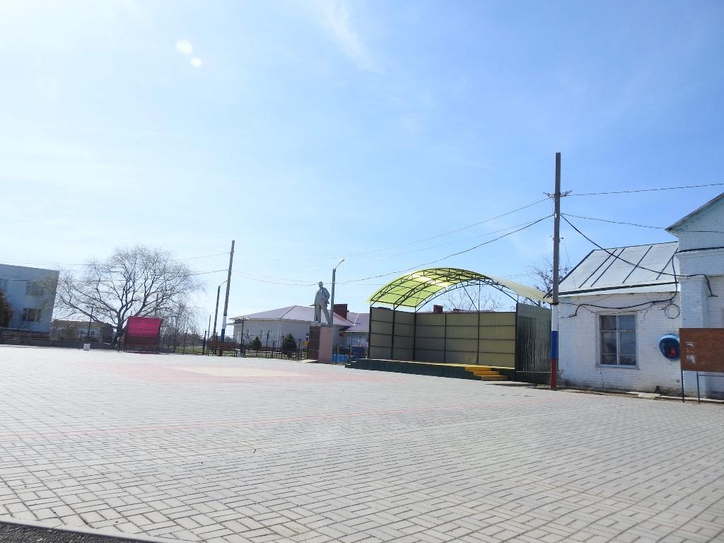 Площадь Новая Полтавка