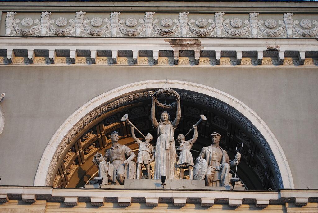 Скульптуры советские