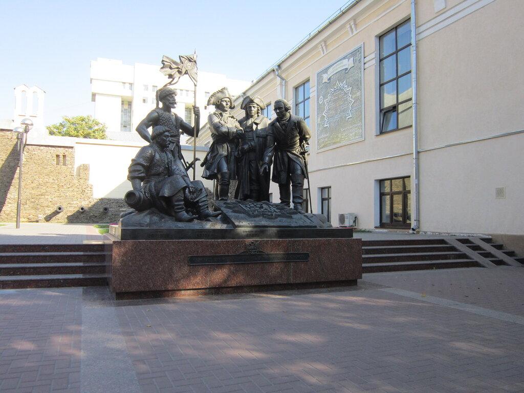 Памятник основателям крепости Ростов-на-Дону