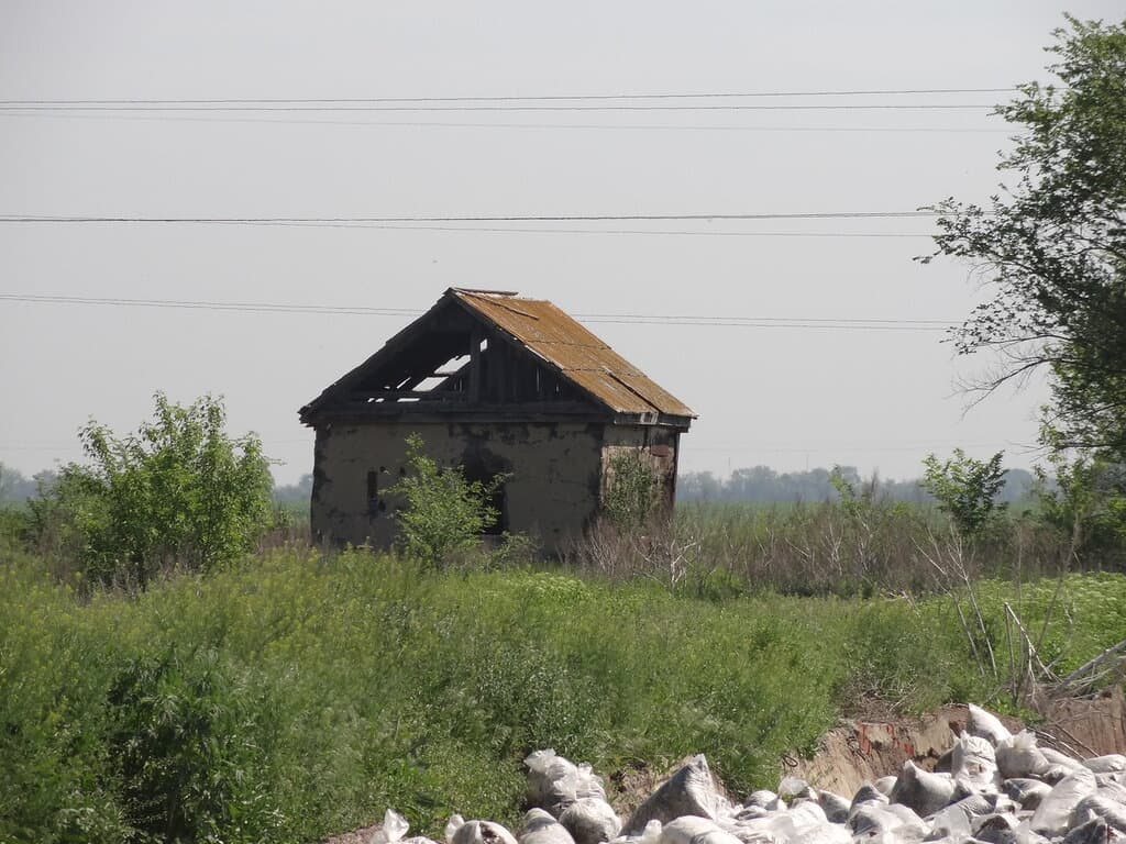 Одинокий домик
