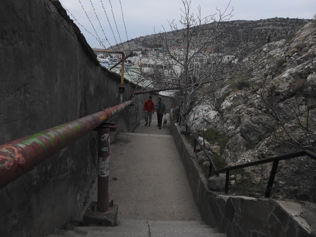 Подъём на Крепостную гору