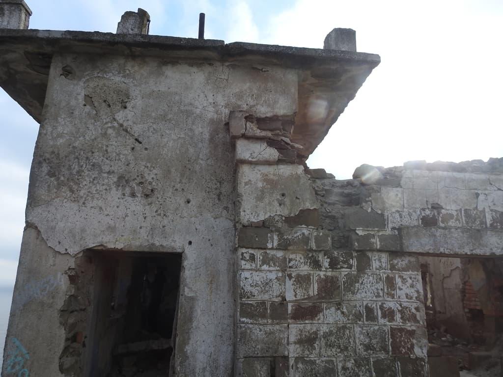 Руины радиорубки