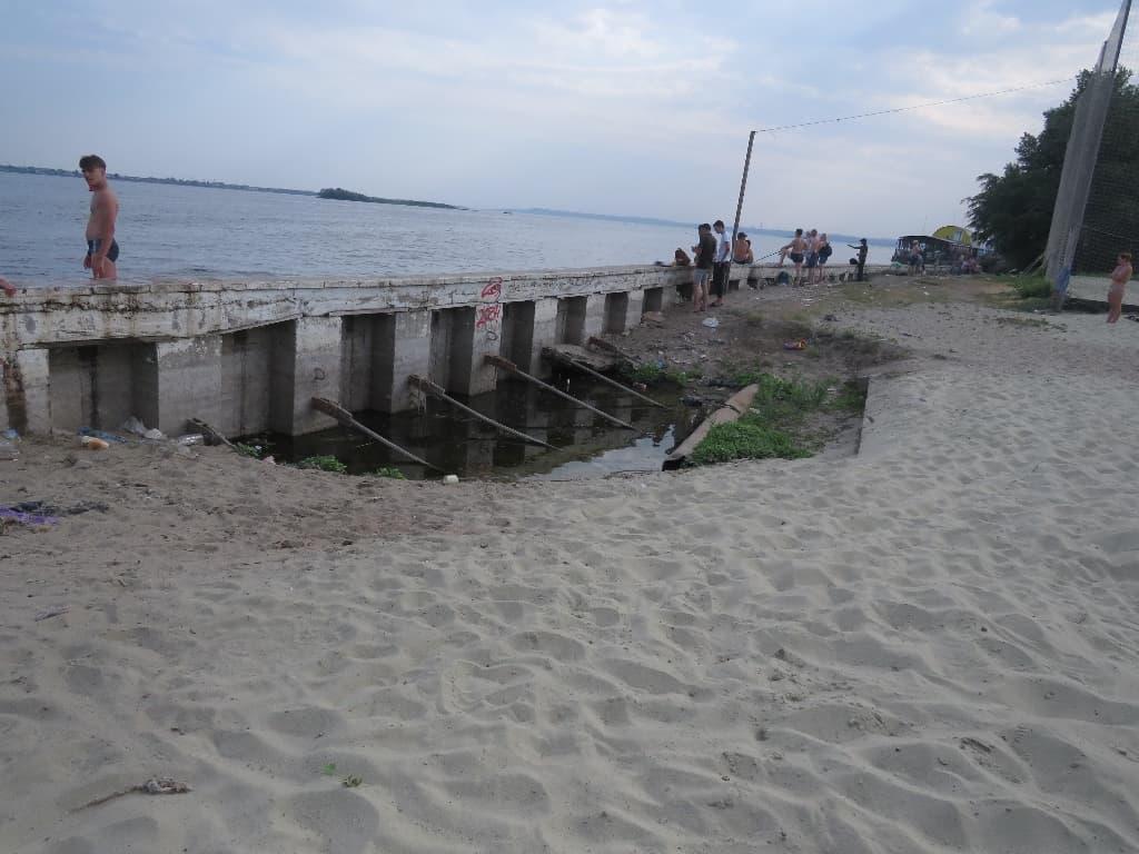 Пляж на набережной Саратов