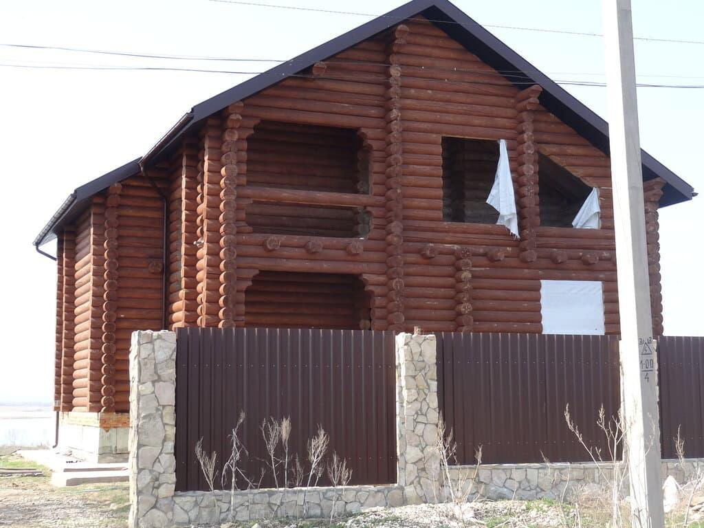 Дом из брусьев