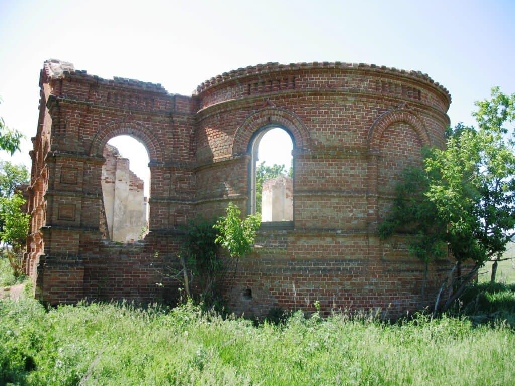 Золотая гора руины храма