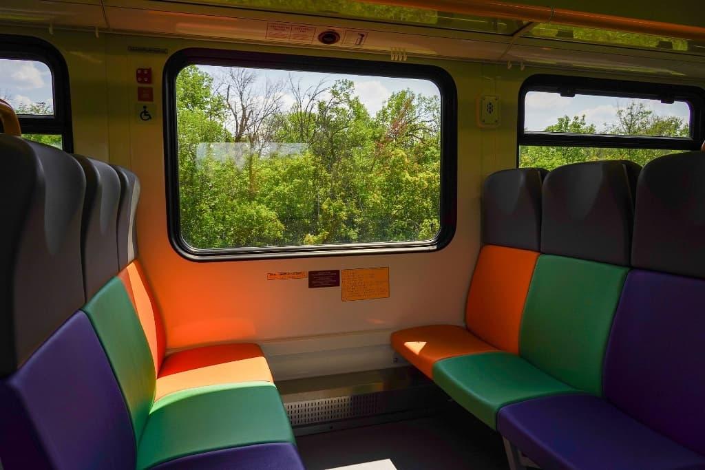 """Рельсовый автобус """"Орлан"""" внутри вагона"""