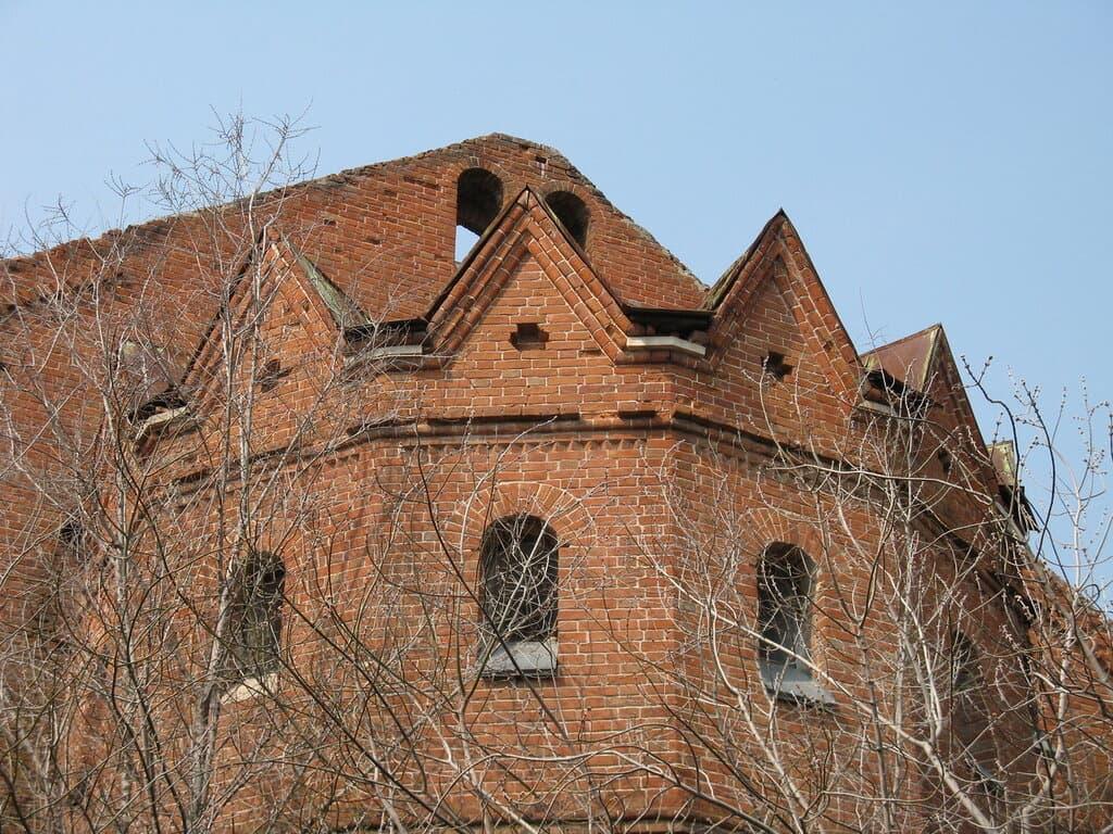 Руины католической церкви