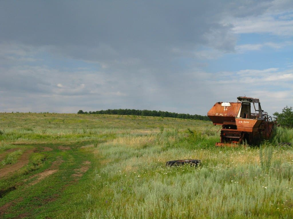 Комбайн в поле