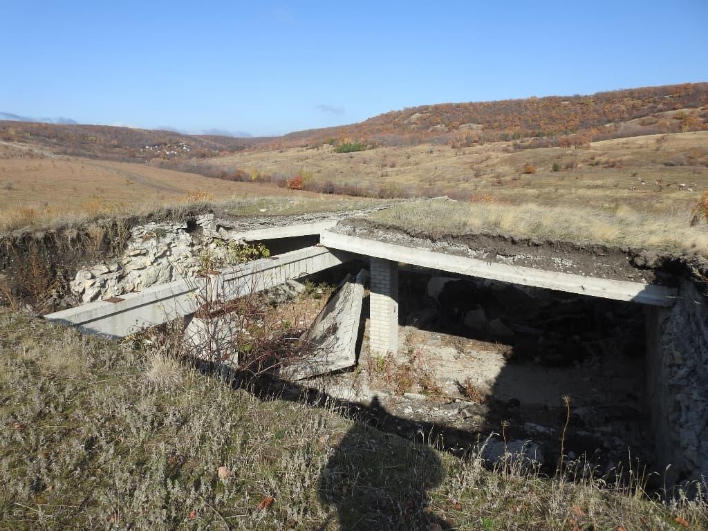 Руины винных погребов