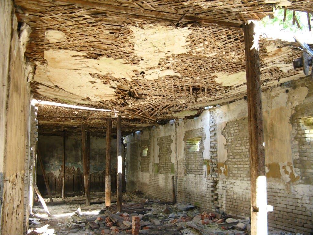 поселок Сельхозтехника руины