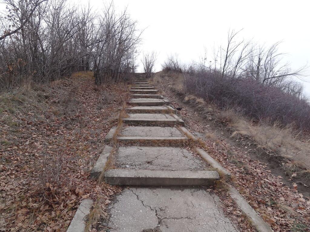 Соколовая гора лестница
