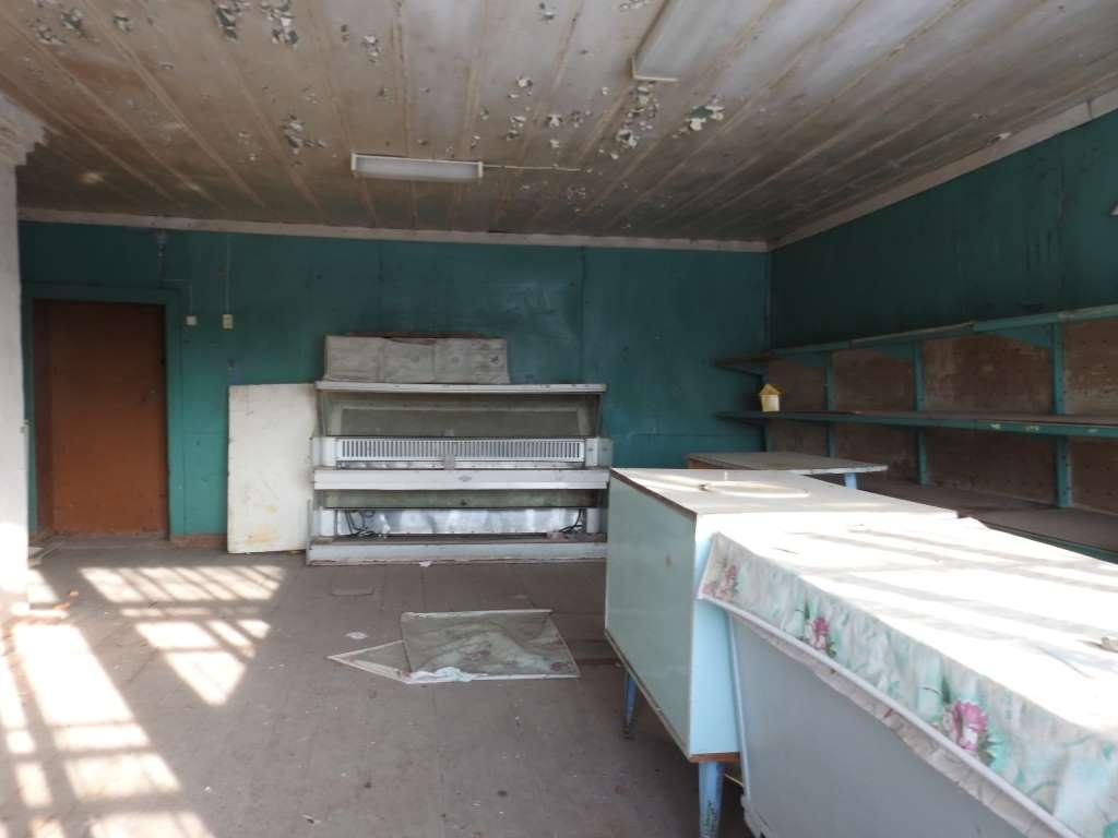 Заброшенный сельский магазин