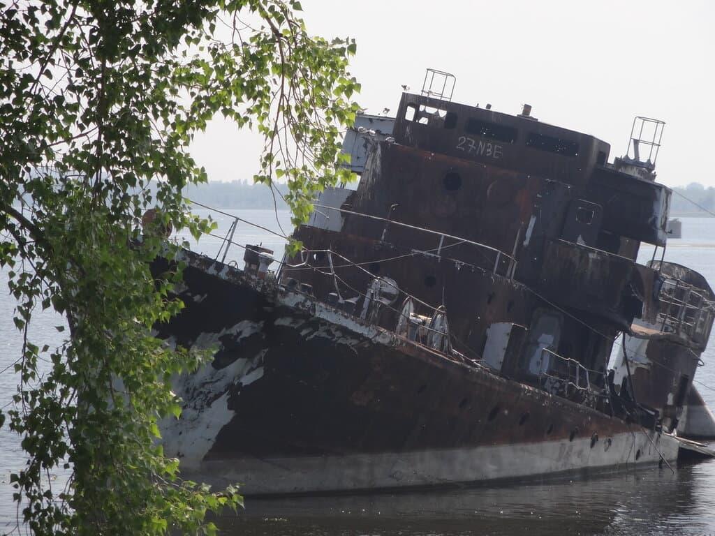 Ржавый корабль